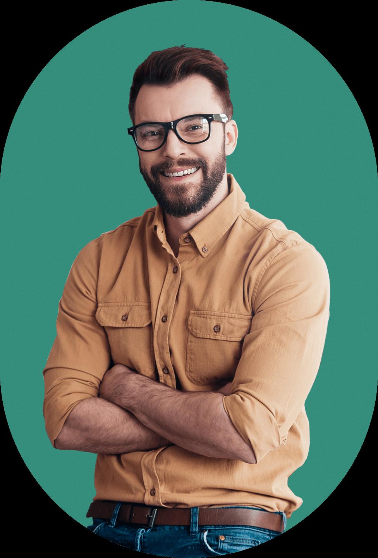 empresario-con-contabilidad-bajo-control
